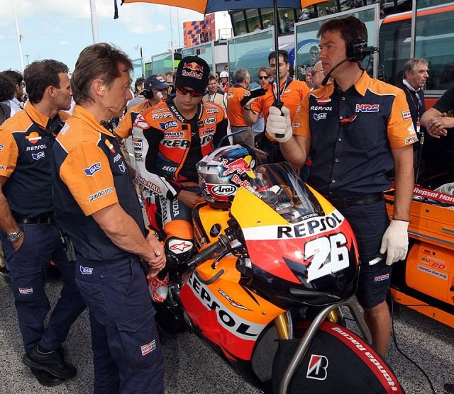 Dani-Pedrosa-starting-grid