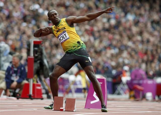 jamaica_s_usain_bolt_poses_before_his_men_s_200m_r_50216cbd23