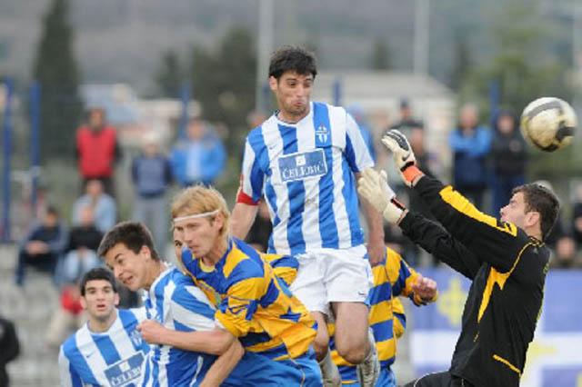 fudbal-bar-buducnost2011