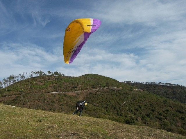 sport-paragliding-canopy-launch