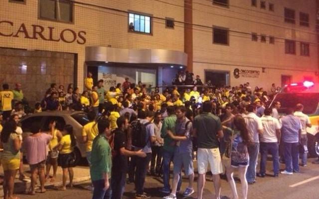 NAvijaci Brazila ispred bolnice
