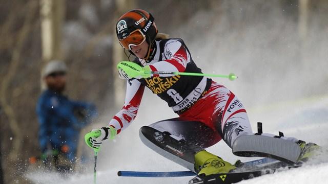 Nikol-Hosp-Skijanje
