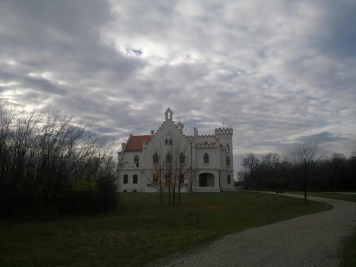 Dvorac Kapetanovo ka Vršcu
