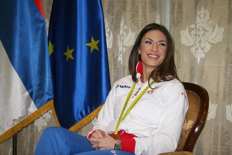 Ivana Spanovic kod Vucica