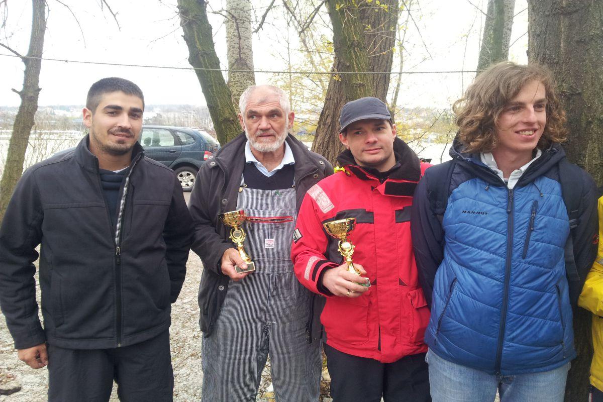Pobednici Velizar Pavlovic i Goran Stevanovic sa                posadama