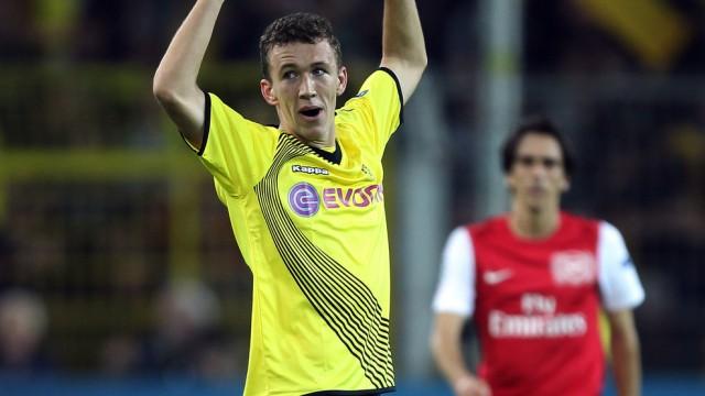 Borussia Dortmund v Arsenal FC - UEFA Champions League