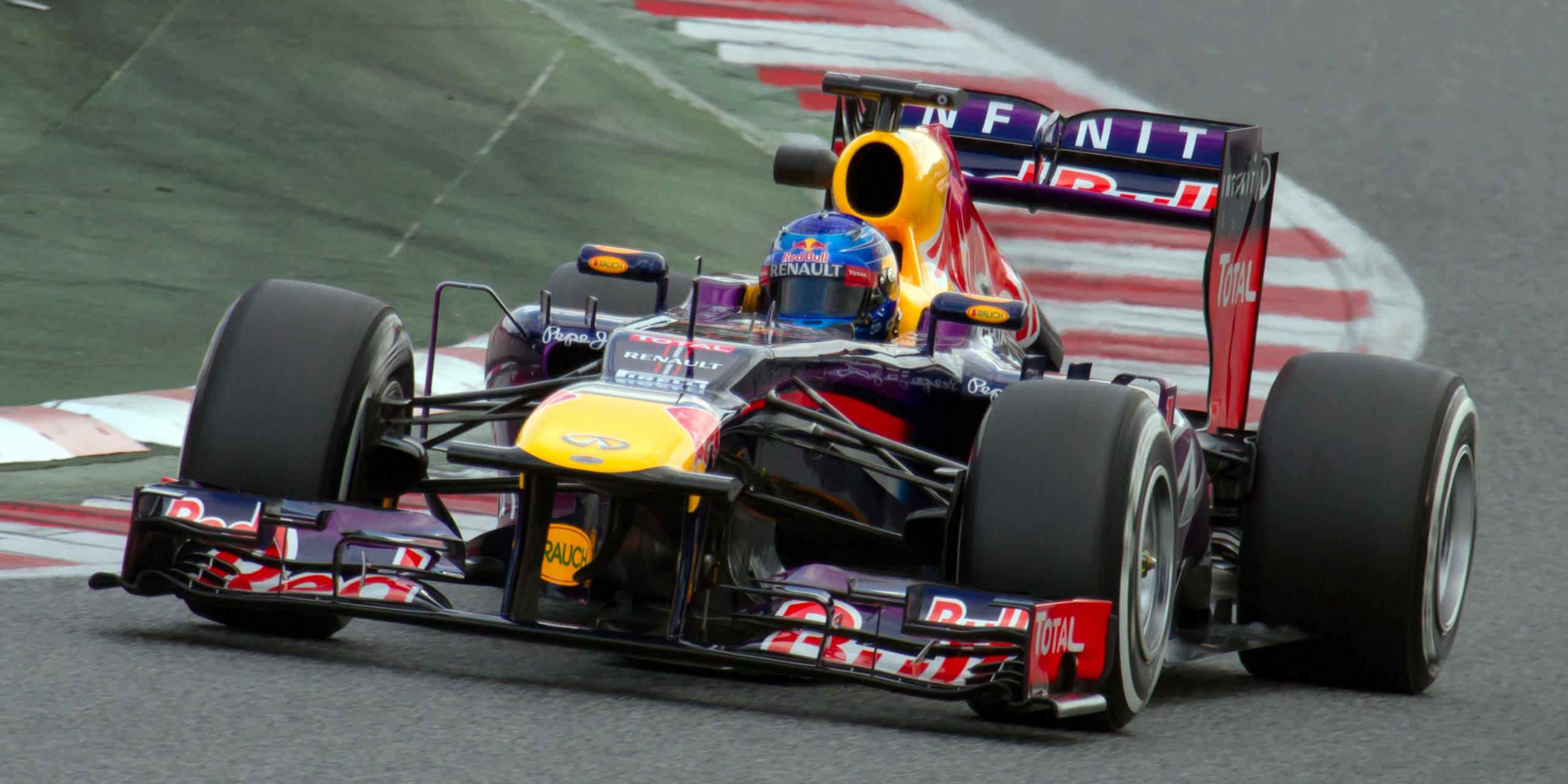 Sebastian_Vettel_2013_Catalonia_test_(19-22_Feb)_Day_1-2