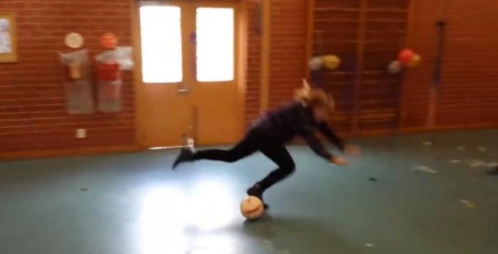 zena dribla kao Ronaldo