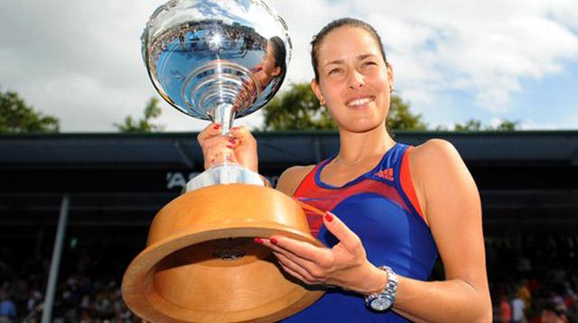 ivanovic-okland-trofej