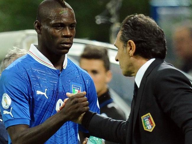 Mario-Balotelli-Cesare-Prandelli
