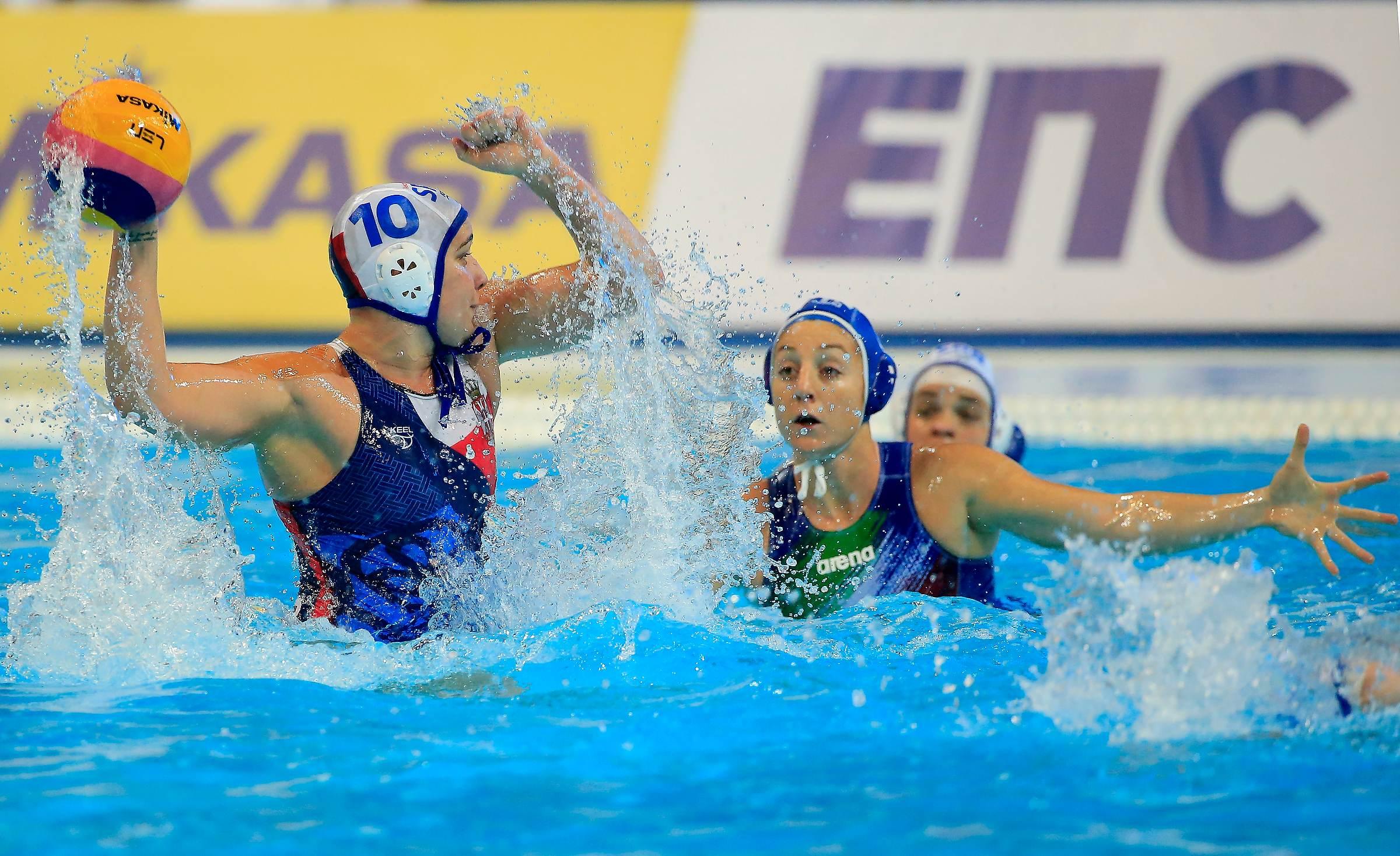 European Waterpolo Championship 2016 Srbija W v Italija W Beograd, 17.01.2016. foto: Srdjan Stevanovic/Starsportphoto©